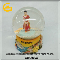 Resin Snow Globe/Water Globe/Snow Ball for Decoration