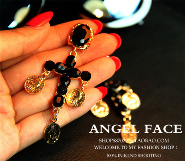 New retro DG catwalk models in Europe and America baroque Gothic cross earring earring ! ! !