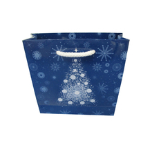 High quantity promotional Christmas paper gift bag with handle