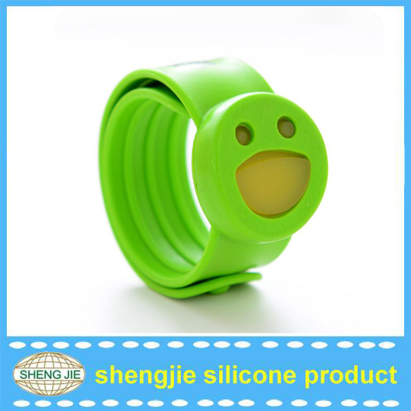 New design smile face mosquito repellent bracelet suitable for children
