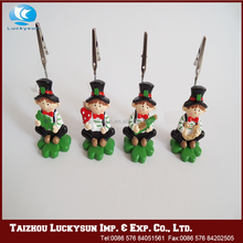 Factory directly provide low price best selling resin crafts 2016 christmas decoration