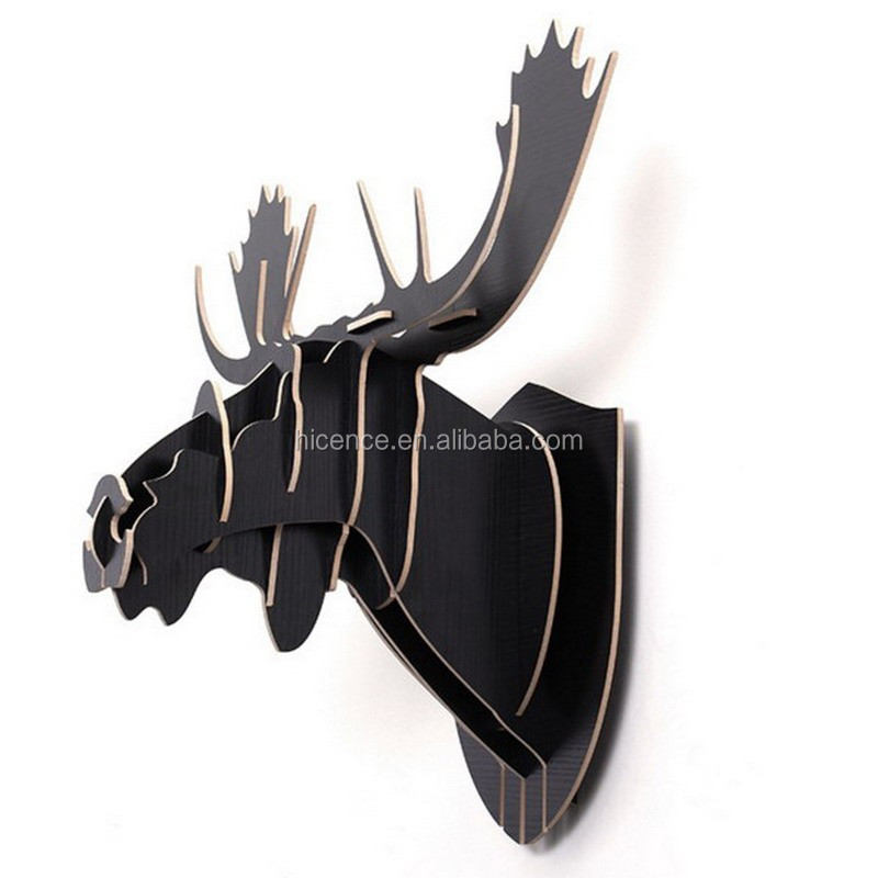 Natural wood Wall-mounted reindeer head for wall decoration