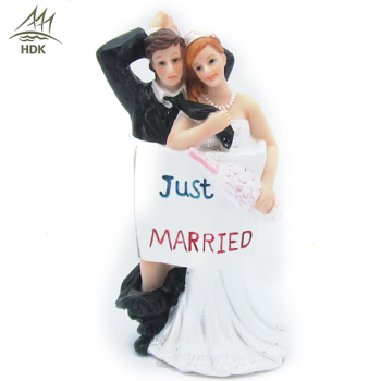 Wholesales fashionable decoration bride and groom fun wedding couple figures for sale