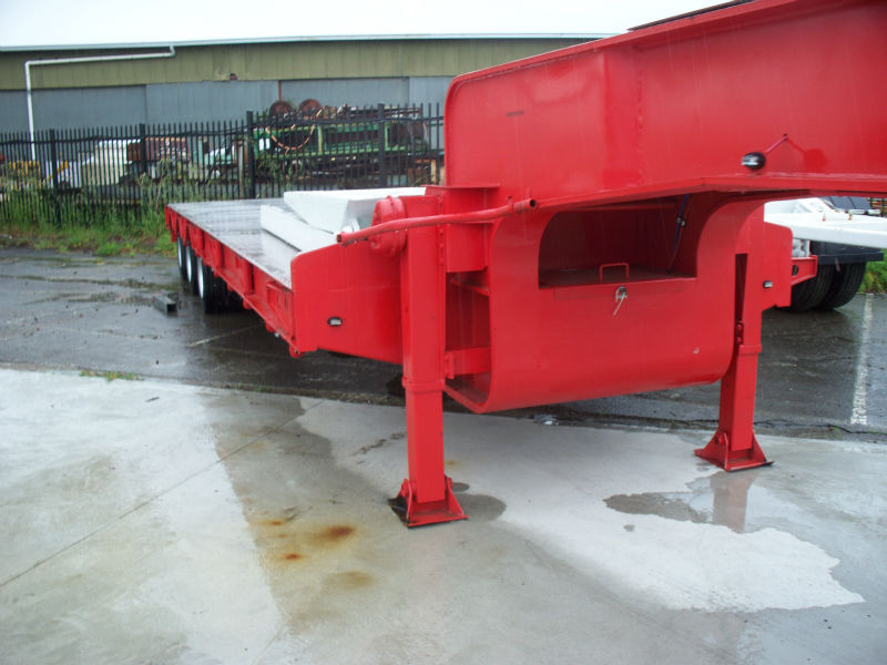 Stonestar Low Loader Trailer with Bi-Ford Ramps