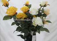 China cheap wholesale wedding decoration yellow&white roses flowers artificial flowers factory