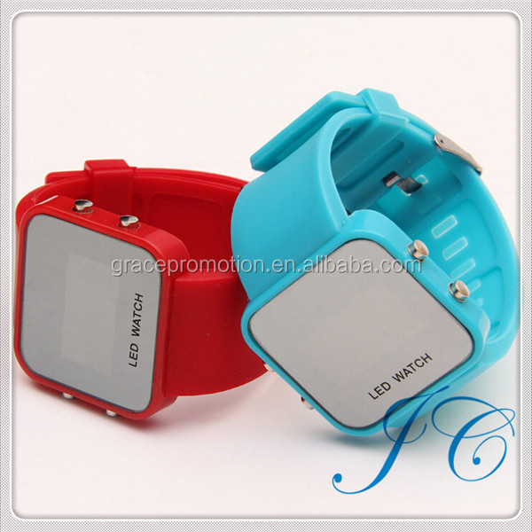 2015 Custom Fashion Attractive LED Watch For Sporter