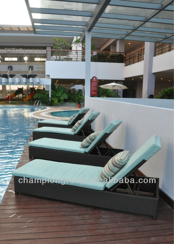 2014 poly rattan/wicker swiming pool chaise lounges beach furniture