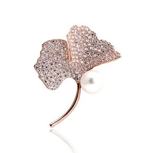 >>>Latest design christmas jewelry fashion crystal brooch pin, color crystal Ginkgo leaves zirconia brooch for girl///