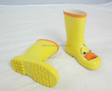 good sell yellow duck cartoon rubber rain boots for kids
