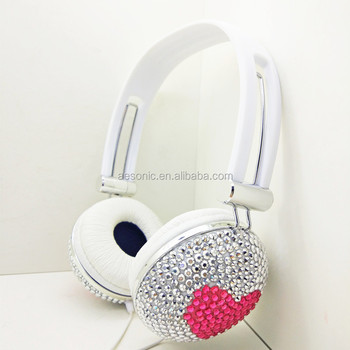 Foldable mp3 headphone for travel