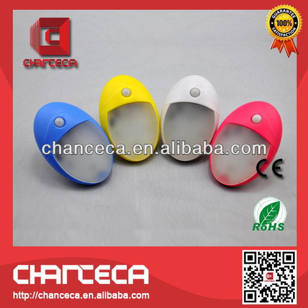 2014 promotional square plastic flashlight