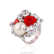 TR6930-36 Woman Fashion Party Rings White Color Imitation Pearl Rhinestone Decoration Flower Shape Adjustable Rings