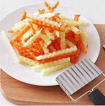 Wavy Crinkle Cutting Tool, Moonvvin Vegetable French Fry Slicer Stainless Steel Blade Potato and Fruit Cutter Carrot Cutter
