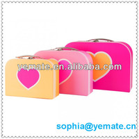 2013 New Recyclable Pink Blue Green Colorful Cardboard Paper Packaging Gift Suitcase for Baby Hat With Handle Box