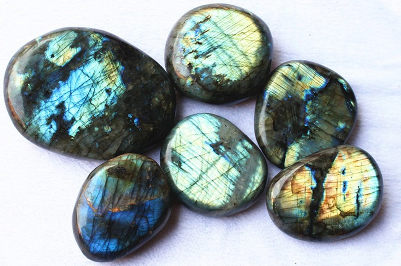 Natural polished labradorite stone pieces, flat polished stones, raw laradorite stones