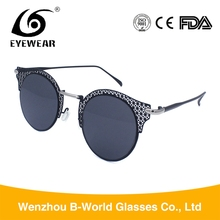 New design women sun glasses, cat eye hollow out frame sunglasses with flat lens