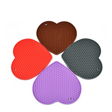 Lovely Heart Shape Silicone Heat Resistant Mat Non Slipe Table Pot Holder Pads For Gifts