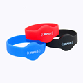 Customized waterproof proximity chip cool magnetic scented silicone wristbands