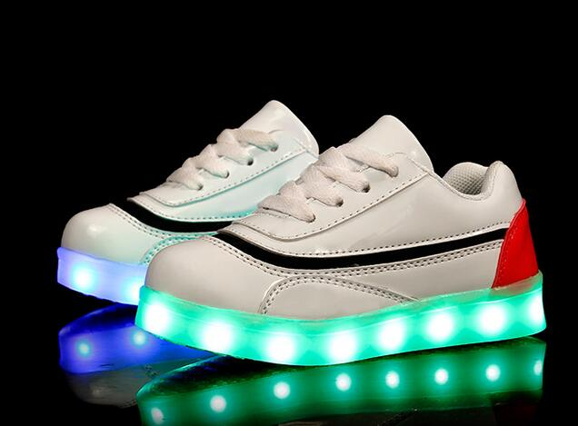 China factory hot sale USB charge led light up shoes for men women