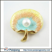 Latest design colorful pearl and sea shell brooch