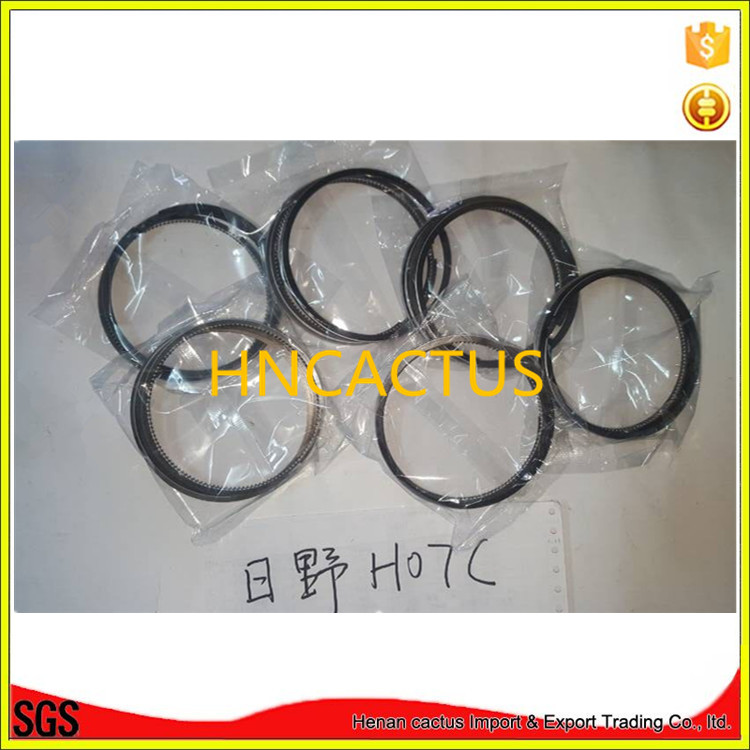 engine spare parts H07C piston rings set for Hino