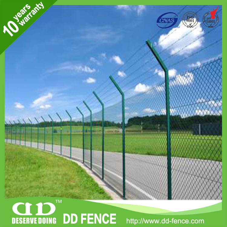 2016 China hottest sale electrio galvanized chain link fence/bird cage/ cost iron from DD-FENCE