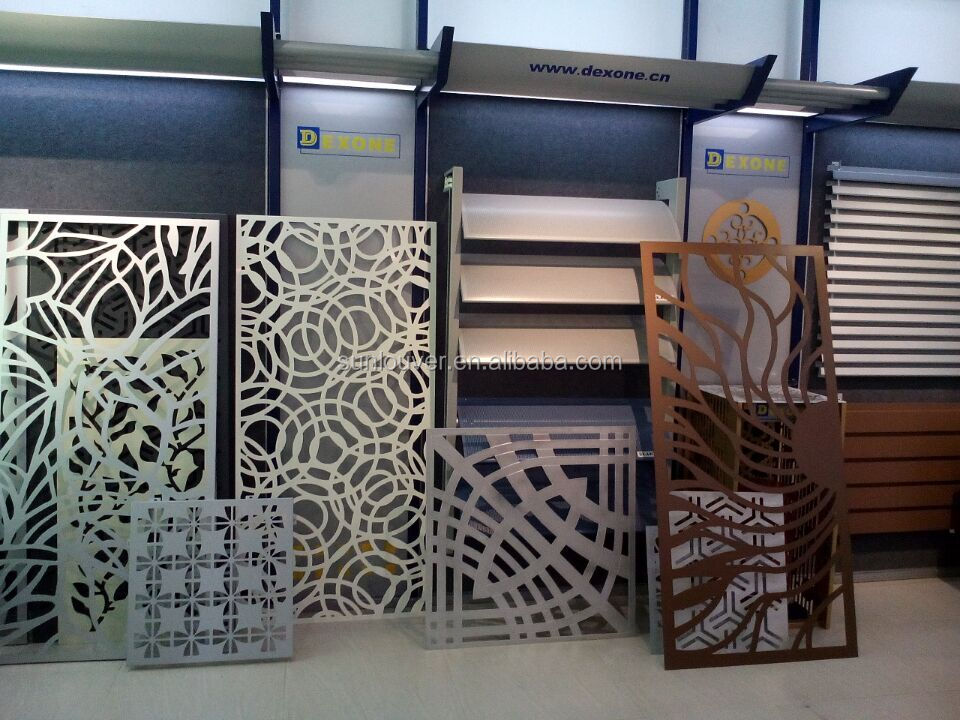 Factory price of the decorative perforated screen metal room divider/garden partition panel made in china