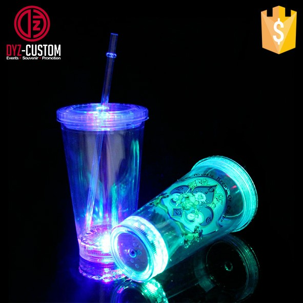 Double wall led flashing tumbler with straw (3).jpg