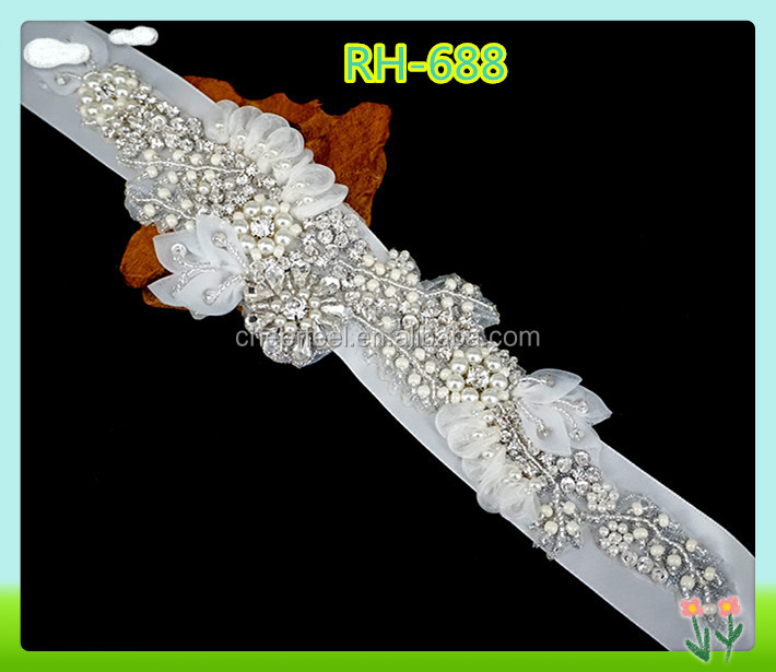2016 fashion iron on rhinestone and organza flower applique,rhinestone flower applique for wedding dress