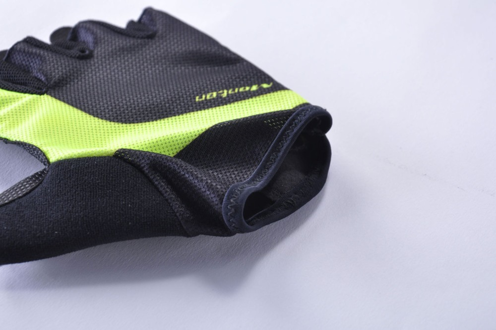 Monton Half finger sports gloves with goods quality