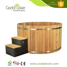 High-grade round red cedar wooden eco friendly hot tubs