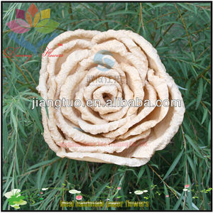 The new year OEM Fashion Thai Clay Paper flowers by hands