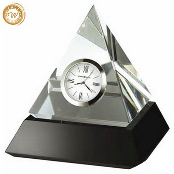 Popular top sell pyramid shape crystal table clock