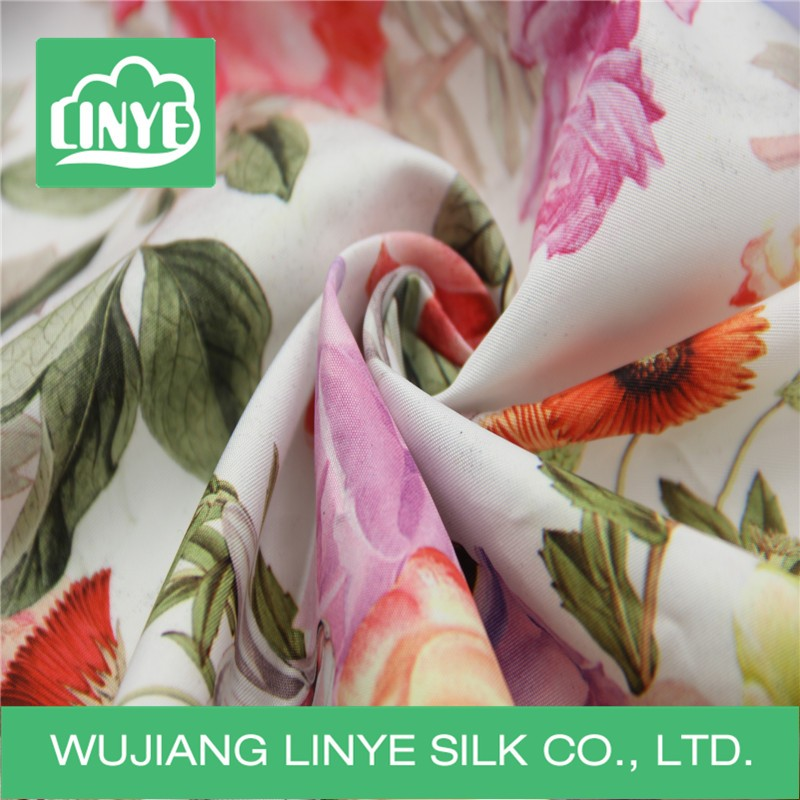 2016 favorable price cloth material printed down jacket fabric