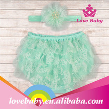 New arrival lace ruffle baby bloomers wholesale with flower headband for toddler
