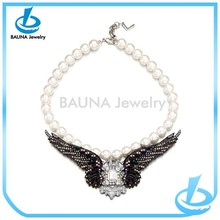 Vintage wing shaped handmade pearl necklace design ideas