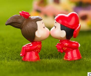 Mini Red Sweet Bride and groom Figurine Resin Craft Miniature fairy garden ornaments Micro Landscape terrarium Figurines decor