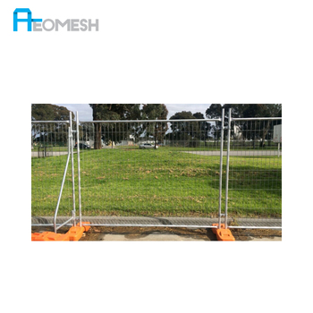 Portable temporary decorative fencing moveable fence for construction safety isolation