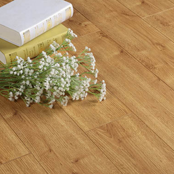 2019 new design  Brazilian Oak color  waterproof multi layer engineered wood floorings wear layer papers with plywood