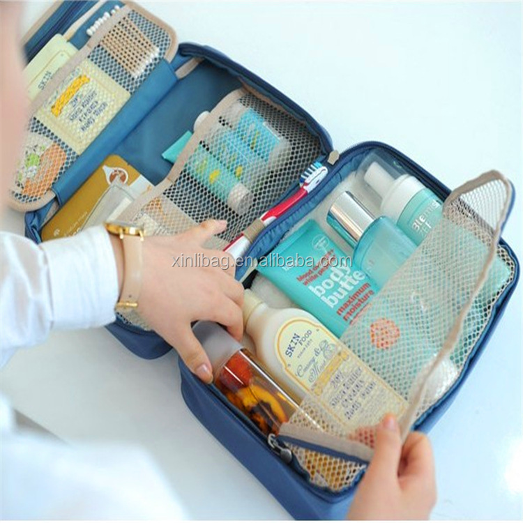 China Suppliers 2017 multifunction Large capacity Travel Makeup Bag hanging toiletry bags