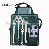 Football bbq with football field drawing apron