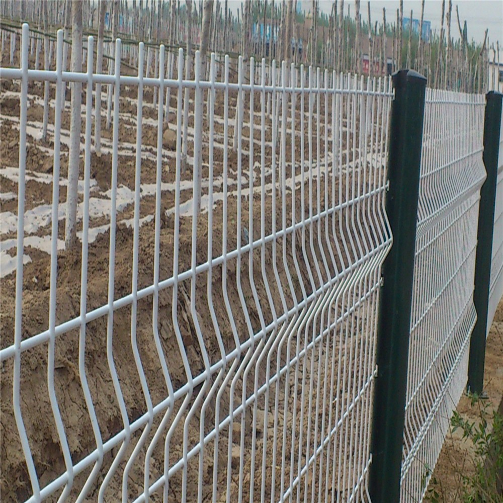 galvanised & polyester coated green mesh fencing nylofor fencing
