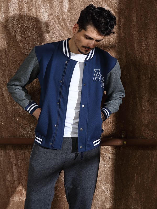 2017 New Fashion Men's Fleece Jacket with EMB Patch