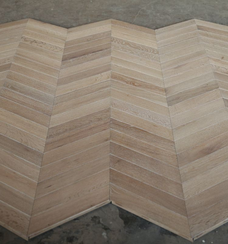Brushed 1818.6*300*16/4mm Chevron Parquet Floorying Pattern