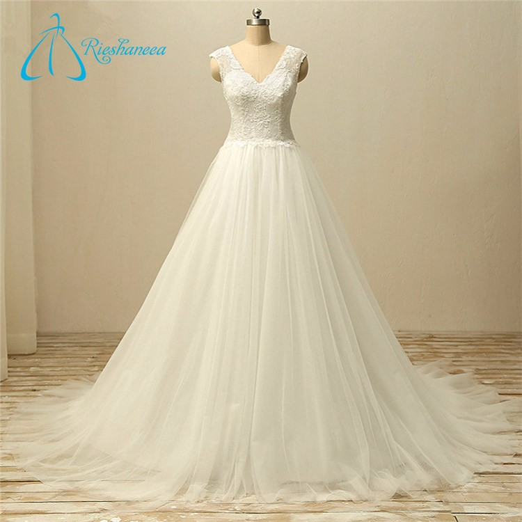 Lace Appliques Sleeveless High Quality Wedding Dress
