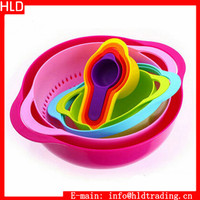 Factory Wholesale 8 pcs Rainbow Bowl Colander Sieve Measuring Cup Spoon Filter Set
