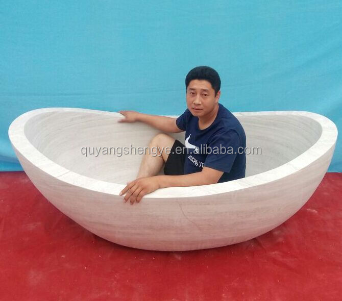 Highly Polished White Marble Bathtub For Sale