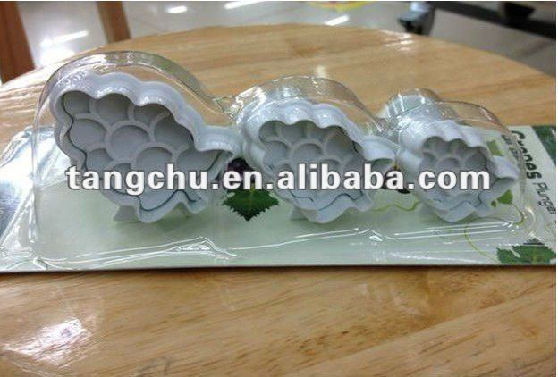2012 hotness high quality and amazing price New Grape Shape Cake Plunger Cutter Fondant Tool Supplier Sugarcraft