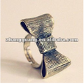Fashion bowknot finger ring jewelry