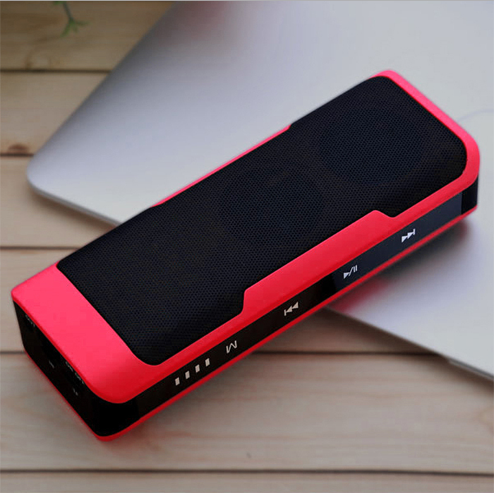 J6 potable bluetooth speaker with power bank 4000mah music playing time 15hours